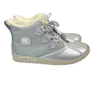 Disney x Sorel Out n About Plus Frozen 2 Boots 11